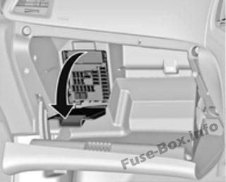 opel/vauxhall astra j (2009-2018) vauxhall astra 53 plate fuse box #9