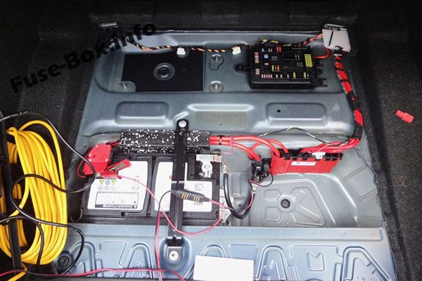 The location of the fuses in the trunk: BMW 1-Series
