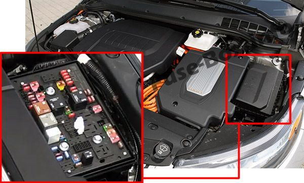 The location of the fuses in the engine compartment: Chevrolet Volt (2011, 2012, 2013, 2014, 2015)