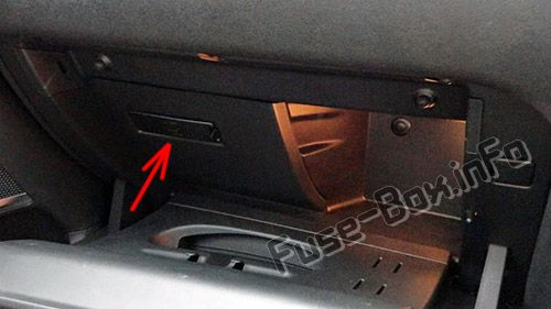 The location of the fuses in the passenger compartment (RHD): Citroen DS4 (2011-2018)