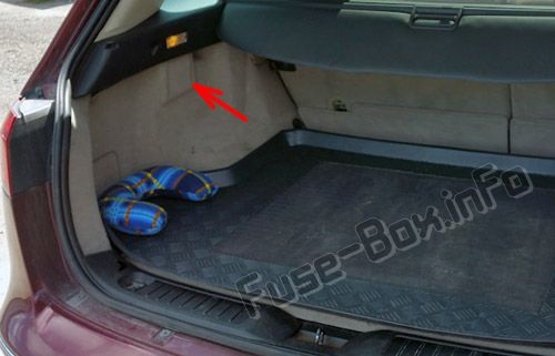 The location of the fuses in the trunk: Fiat Croma (2005, 2006, 2007, 2008, 2009, 2010, 2011)