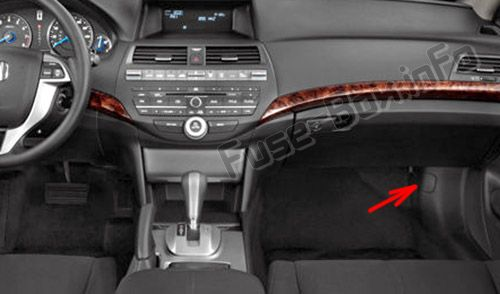 The location of the fuses in the passenger compartment: Honda Crosstour (2012, 2013, 2014, 2015)