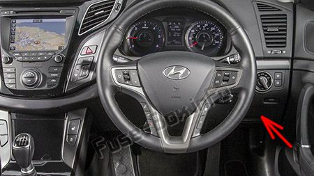 The location of the fuses in the passenger compartment (RHD): Hyundai i40 (2012-2016)
