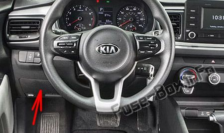 The location of the fuses in the passenger compartment: KIA Rio (2018, 2019-...)