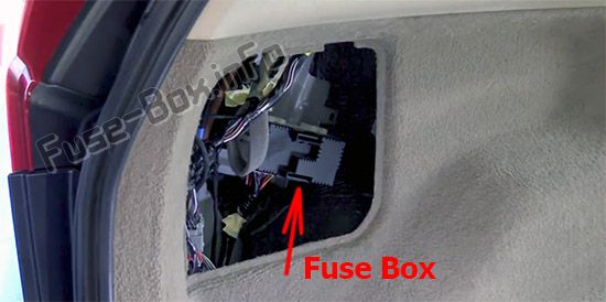 The location of the fuses in the trunk: Volvo XC60 (2013-2017)