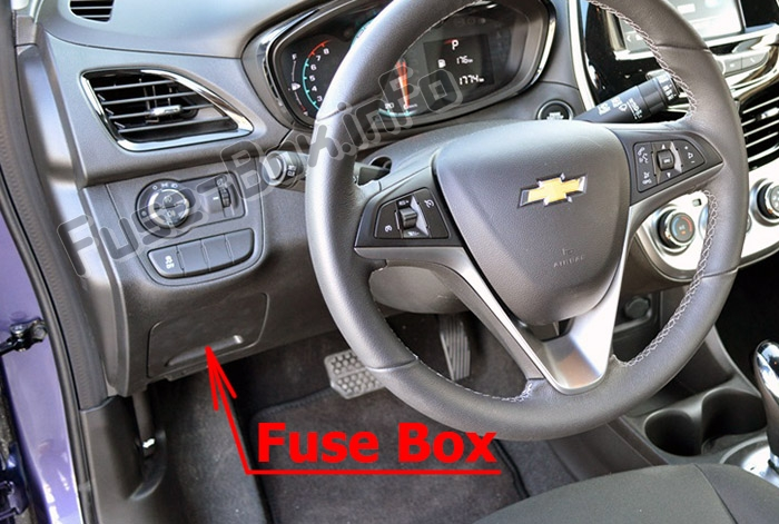 The location of the fuses in the passenger compartment: Chevrolet Spark (M400; 2016-2019..)