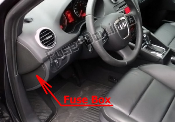The location of the fuses in the passenger compartment: Audi A3 / S3 (8P; 2008-2012)