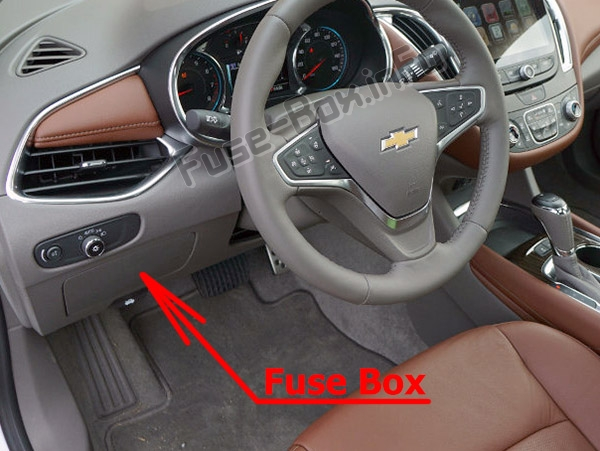 The location of the fuses in the passenger compartment:Chevrolet Malibu (2016-2019-..)