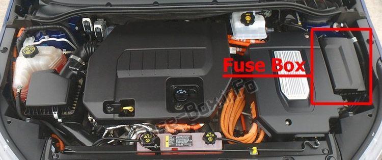 The location of the fuses in the engine compartment: Chevrolet Volt (2011-2015)