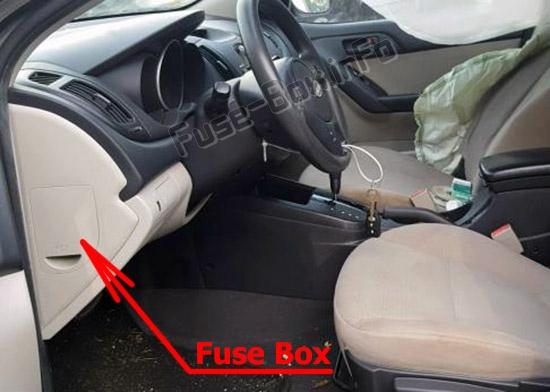 The location of the fuses in the passenger compartment: KIA Forte / Cerato (2009-2013)
