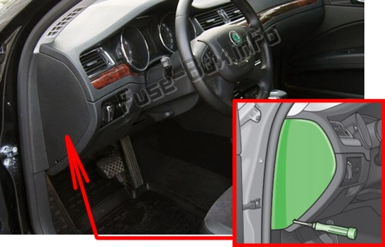 The location of the fuses in the passenger compartment: Skoda Superb (B6/3T; 2008-2015)