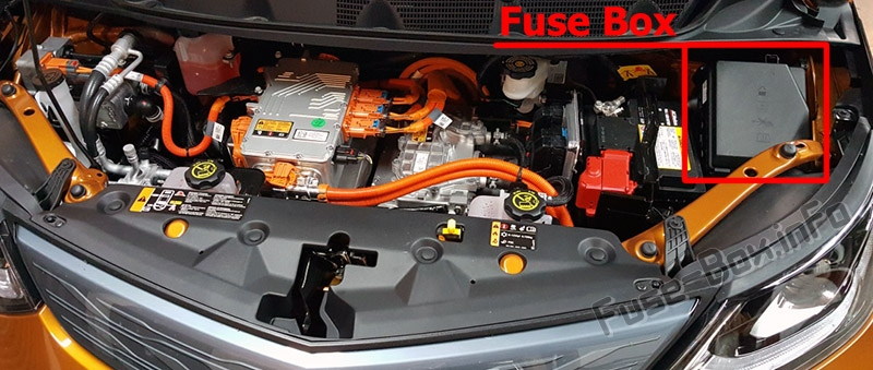 The location of the fuses in the engine compartment: Chevrolet Bolt EV (2016-2020..)