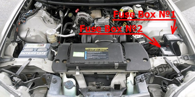 The location of the fuses in the engine compartment: Chevrolet Camaro (1998-2002)