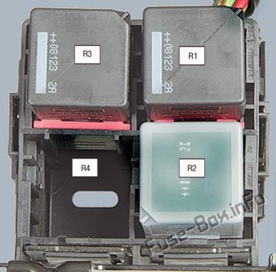 Relay Box: Ford Fiesta (2002, 2003, 2004, 2005, 2006, 2007, 2008)