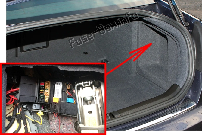 The location of the fuses in the trunk: Audi A6 / S6 (2008-2011)